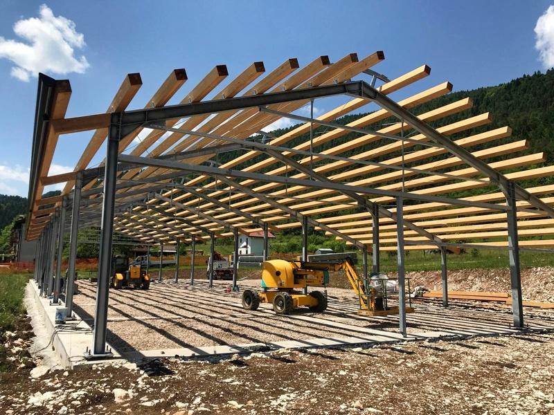 sctravi_foto principale coperture industriali_Tetti_e_strutture_in_legno
